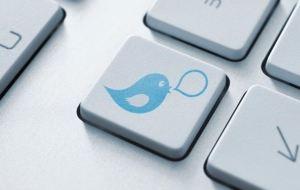 FCA looking at social media risk warning 300x190 - FCA warns crowdfunding sites on social media use