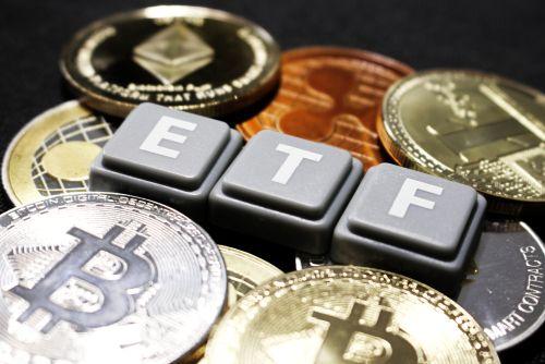 Bitcoin ETF banner - Canadian Regulators Green Light World's First Bitcoin ETF for Retail Investors